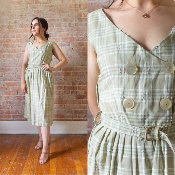 Vintage Dresses & Skirts - SALE 1950s/1960s TRUE VINTAGE GREEN BUTTON DRESS